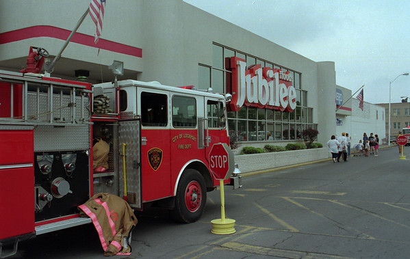98/07/30 Jubilee Fire *Dennis Stierer Photo -<br /> A small fire broke out in one of the restrooms at the Jubilee food store on Chestnut St. mid  afternoon on Thursday and smoke quickly filled the store forcing an evacuation.