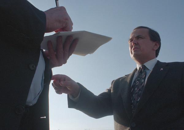 98/12/04 Senator George Maziarz - Vino Wong Photo - Feature shot of the senator for archive.