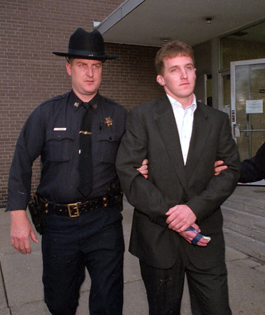 98/11/05 Northrup *Dennis Stierer Photo - <br /> Mike Northrup after his arraingment being led off to jail by Niagara County Deputies.