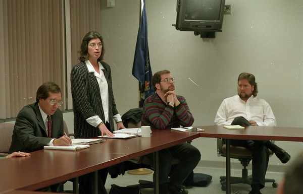 98/01/06 Starpoint Meeting 3*Dennis Stierer photo - DR. Judy Schreiver talks about how the State Board of health went on a walk through at Starpoint School and the States views on the air quality findings.