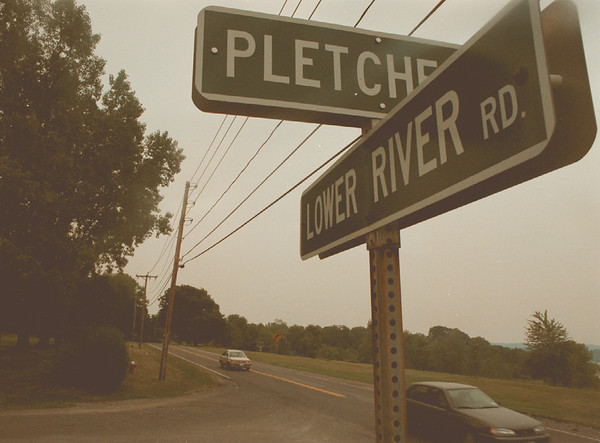 98/08/05-- Lower River Rd.--Takaaki Iwabu photo-- Talking about road expansion in Village of Lewiston is still going. Picture shows Pletcher Rd and Lower River Rd., one of the points where will be affected by the plan... <br /> <br /> 1A. color, Thursday