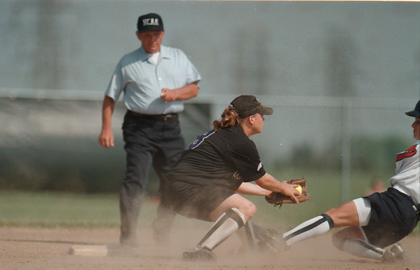 98/05/07 NU GSB2-Rachel Naber Photo-Jodie Bowers short stop for Niagara University tags Nicole Aloi of Robert Morris College out at second base.