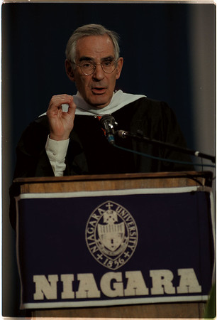 98/05/17 NU Graduation - James Neiss Photo - Journalist David Halberstam spoke to the graduating Niagara University students during ceremonies at the Niagara Falls Convention and Civic center.