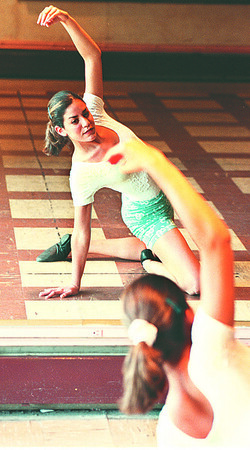 7/16/97--DANCER/RAGUSA--DAN CAPPELLAZZO PHOTO--17-YR-OLD MARIELLE RAGUSA, OF LEWISTON, PRACTICES HER DANCE ROUTINE AT THE DANCE SHOP, HYDE PK AVE, IN PREREATION FOR THE TEEN AMERICA PAGENT.<br /> <br /> FEATURE SUNDAY