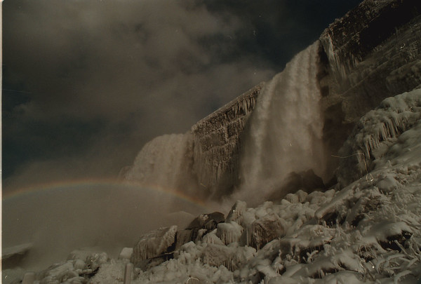 98/03/11 Falls Rainbow 4 - James Neiss Photo - Rainbow seen from Cave of the Winds Decking.