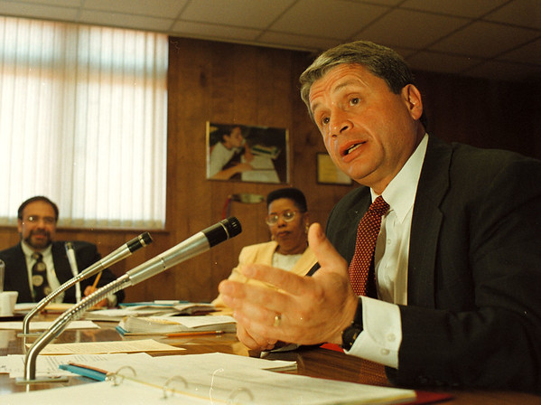 5/22/97--board meeting 1--Takaaki Iwabu photo-- School Superintendent Carmen Granto talks about the plan of building a new high school in Niagara Falls. <br /> <br /> 1A, Friday