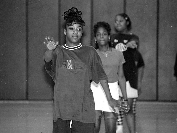 3/17/97--AFRICAN DANCE--DAN CAPPELLAZZO PHOTO--13-YR-OLD SHALONDA COWART, OF NF MIDDLE SCHOOL PARTICIPATES IN A TRADITIONAL AFRICAN CALSS AT THE  FAMILY RESOUSE BLDG, 3001 NINTH ST.
