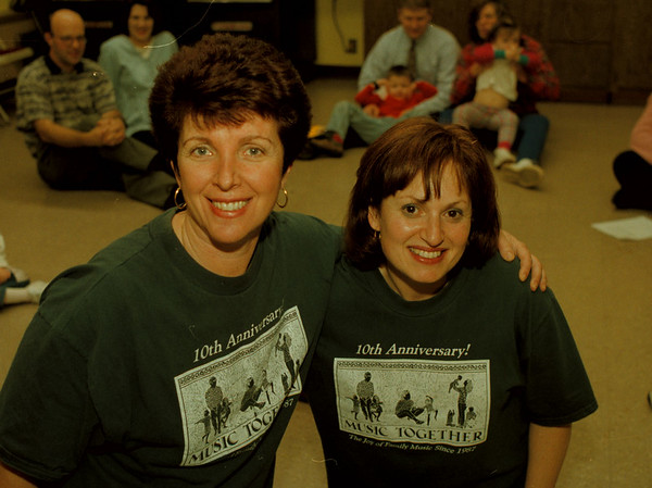 97/12/08--music together 5--Takaaki Iwabu photo-- Marsha Ponce, left, and Carol Goodwin, directors at Music Together of Buffalo.