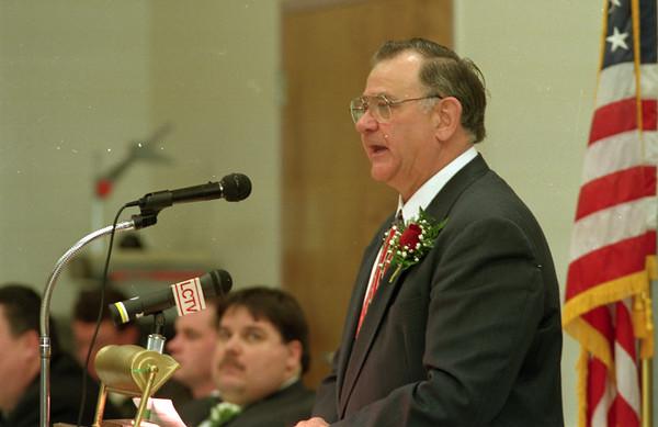 98/01/07 Mayor's Address*Dennis Stierer photo - Mayor Kenneth D. Swan talks about where the city is headed.