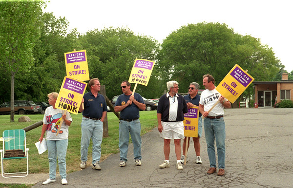 98/07/27 Village Park Strike *Dennis Stierer Photo -<br /> Local 686 of the UAW came out to support the strikers at the Village Park Health Center in Gasport, Monday. On the left is Pat Turk, an employee of Village Park. The others oare with the UAW,local 686. I could not get all the names, but the third person, with suglasses on is John Garvey and the far right person is Dave Kagels, Unit 1 president, local 686.