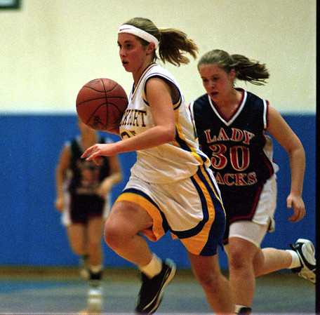 98/12/11 Lady Lions Opener *Dennis Stierer Photo<br /> #25, Lisa , during 2nd period play.