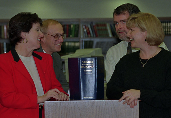 97/11/19--TEACHERS--DAN CAPPELLAZZO PHOTO--(LTOR)ROY HEART COACH KERRY FINGER AND WIFE/TEACHER ANNE-MARIE WITH MRS DEBRA HOLAHAN, 8TH GR TEACHER AND HUSBAND AND BILL AT ROY HEART MEDIA CENTER.<br /> <br /> B&W PAPER