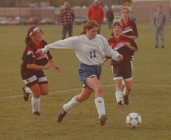 97/09/30 Jill Conover Action - James Neiss Photo - Jill Conover of Grand Island moves the ball in a game against North Tonawanda.<br /> <br /> Soccer