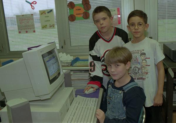 98/04/01 HyperStudio Kids *Dennis Stierer photo
