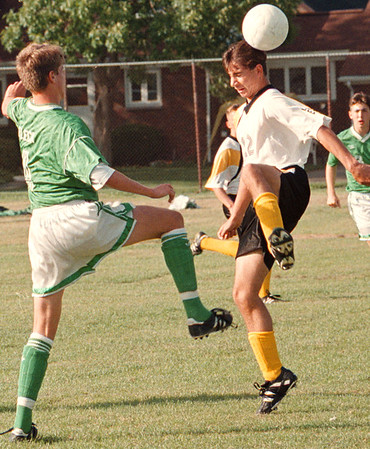 97/09/22--SOCCER--DAN CAPPELLAZZO PHOTO--LASALLE'S  NICHOLAS LAGAMBA (WHITE) BATTLES WITH LEWPORTS' RICK FLECK IN FIRST HALF ACTION.<br /> <br /> SP