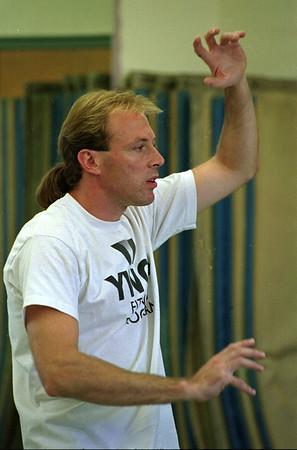 97/09/04--TAI CHI/YOGA 2--DAN CAPPELLAZO PHOTO--TAI CHI INSTRUCTOR BOB WHITE GETS IT ON AT THE LOCKPORT YWCA.<br /> <br /> SUN