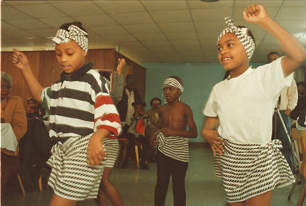 2/28/97-- a. african history-- Takaaki iwabu photo-- LaTia Mulkey, left, and LaJye Sanders lead African Dance team during Annual African-American History Celebration at Mt. Erie Baptist Church. <br /> <br /> locl, Saturday, color