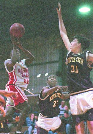 2/20/96--NF high basket 2--Takaaki iwabu photo