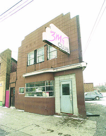 1/1/97 Shooting - James Neiss Photo - 6 People where shot at 3M's Night Club on Highland ave.