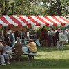 6/19/97-ART PICNIC 2--DAN CAPPELLAZZO PHOTO--A HEALTHY CROWD GATHERS AT CARBO. CENTENIAL PARK FOR THE NIAGARA COUNCIL OFTHE ARTS PICNIC.<br /> <br /> LOCAL