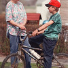 "4/30/97-- mother/son--Takaaki Iwabu photo-- Bonnie Holstron talks to her 10-year-old son Jason Jasinski as he leaves home. (for Judy's story on ""don't talk to strangers...""<br /> <br /> Saturday, feature, bw"