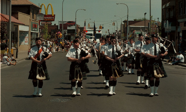 98/05/24 Parade - James Neiss Photo - The Niagara Falls, NY MacKenzie Highlanders marched in the NF Memorial Day Parade.