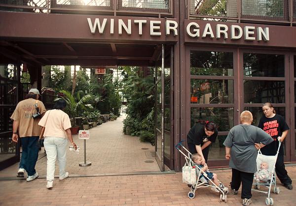 97/08/28--winter garden 2--Takaaki Iwabu photo-- Tourists walk into the Winter Garden Thursday.