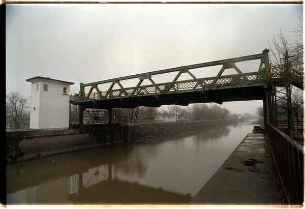 98/02/23 Exchange St.  Bridge  - James Neiss Photo