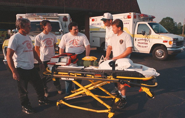 97/08/25--NIAGARA HOSE--DAN CAPPELLAZZO PHOTO--AMBULANCE FUND DRIVE--SEE ATTACHED SHEET.