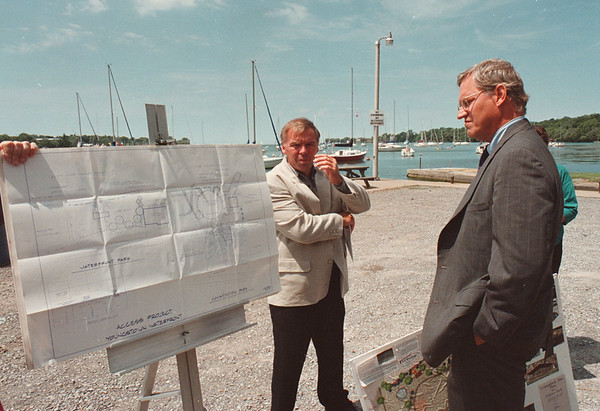 7/23/97--SECRETARY/YOUNGSTOWN--DAN CAPPELLAZZO PHOTO--SECRETARY OF STATE ALEXANDER TREDWELL LOOKS OVER WATERFRONT DEV. PLANS WITH THE MAYOR OF YOUNGSTOWN _________________ AT THE YOUNGSTOWN MARINA.<br /> <br /> LOCAL