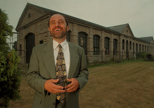 98/08/06-- Peter Fontanarosa --Takaaki Iwabu photo-- Peter Fontanarosa, president of Fontanarosa Construction Company, Inc., bought the 103-year-old building on Buffalo Ave. (He plans to turn it into a hydro power museum...)<br /> <br /> 1A, color, Friday