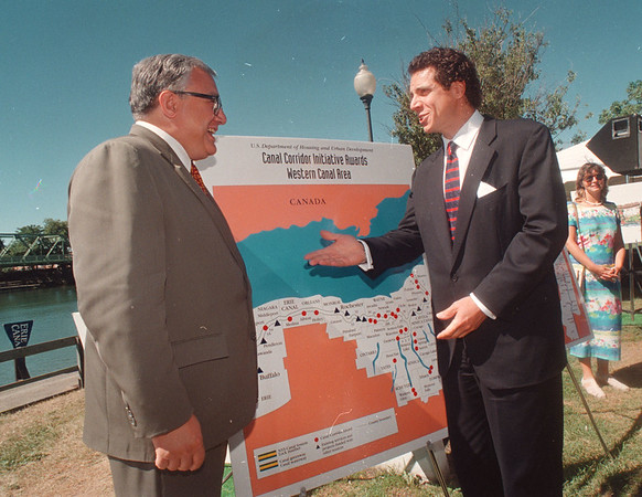 97/08/14 HUD Canal Funds 3 - James Neiss Photo - U.S. Housing and Urban Development Secretary Andrew Como announces $131. million in Hud Assistance for Canal Corridor development.