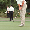 7/23/97--PORTER CUP RECORD--DAN CAPPELLAZZO PHOTO--MATT KUCHAR, OF LAKE MARY, FLA PRACTICES HIS PUT AFTER TYING A COURSE RECORD WITH 62.<br /> <br /> SP