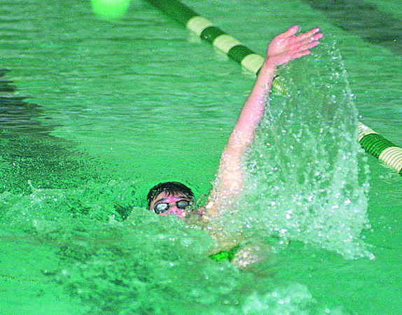 1/6/97--swimming--cappy photo--LEWPORT SOPHMORE ROBERT HAROLD DOES THE BACK STROKE DURING VARSITY SWIM MEET.<br /> <br /> <br /> SP