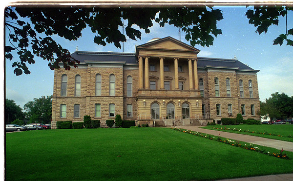 97/09/12 County Court House - The Niagara County Court House has been added to the historical register.