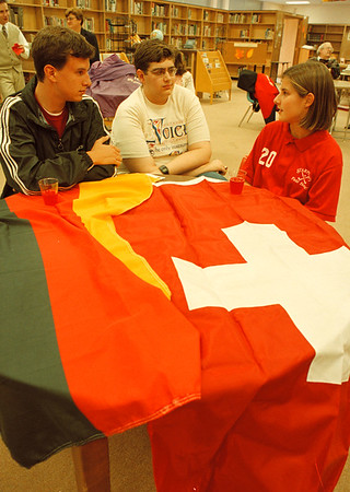 97/10/01--STARPOINT INT. STUDENTS--DAN CAPPELLAZZO PHOTO--STARPOINT SR. COUNCIL PRES TODD LUNETTA (CENTER) SPEAKS WITH INTERNATIONAL STUDENTS SEBASTIAN EUMANN (LEFT) GERMANY AND CLAUDIA BLASIMANN, SWITZERLAND AT A RECEPTION AT THE STARPOINT LIBRARY.<br /> <br /> LOCAL