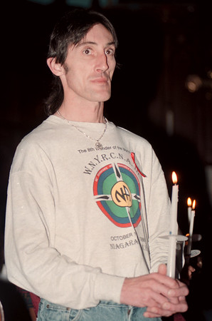 98/12/01--AIDS VIGIL--DAN CAPPELLAZZO PHOTO--JAMES MEDBURY, A NF RESIDENT LVING WITH AIDS, JOINS IN THE CANDLE LIGHT AIDS VIGIL AT ST PETERS EPISCOPAL CHURCH.<br /> <br /> 1A