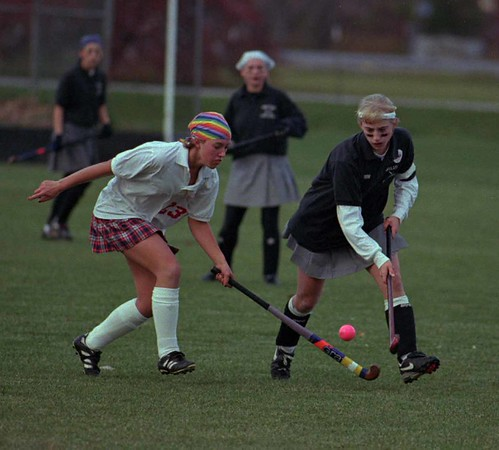 98/11/04 Girls Advance *Dennis Stierer Photo -<br /> Medina's #13 Jeanine Raduns goes after a steal from Wilson's #15, Terra Lederhouse.