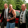 98/08/17 Drinkwalter Captured *Dennis Stierer photo -<br /> Ronald Drinkwalter, 43, of 1012 Youngstown-Lockport Road is being led into Porter Town Court by Investigators Daniel P. Brown (left) and Daniel Fritton of the Sheriffs Department on Monday afternoon.  Drinkwalter had eluded the police for more than a week.