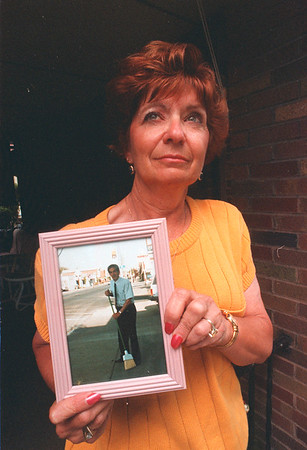 97/08/12 Suicide Survivor - James Neiss Photo - Dottie Gara has to live with the fact that her husband committed suicide.