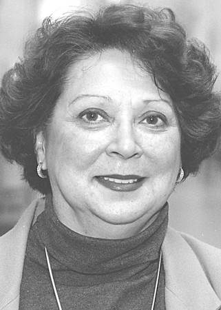 1/28/97-- Andrea Lotempio -- headshot for profile/grapevine