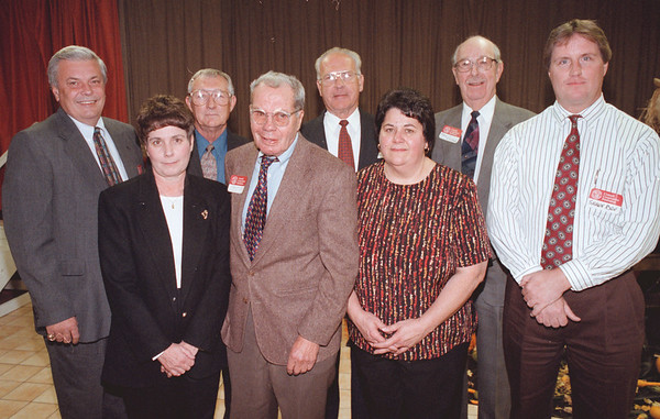 98/11/04--COOP EXTERNSION--DAN CAPPELLAZZO PHOTO--FRONT ROW LTOR--PEGGY MULCAHY, BOB BUYER, JOANNE McKEEVER, SHAWN RYAN. (TOP ROW LTOR) JERRY SLIPKO, JOHN MULCANY, RONALD PERRY AND NORM SINCLAIR.<br /> <br /> LKP