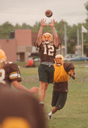 97/08/29 LaSalle Football - James Neiss Poto - Lasalle's Mike Guzdek catches a pass durring practice.