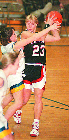 2/4/97--GIRLS HOOPS--DAN CAPPELLAZZO PHOTO--NW 'A ANGELA TYLEC SETS UP IN THE FIRST QUARTER AT LOCKPORT.<br /> <br /> SP