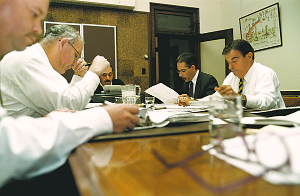 98/11/02 Budget talks--Vino Wong Photo--<br /> L-R City Council meeting John G. Accardo, Frank Soda, Vince Anello, Timothy G. Box and Guy Sottile.  Bax is the only non council member.
