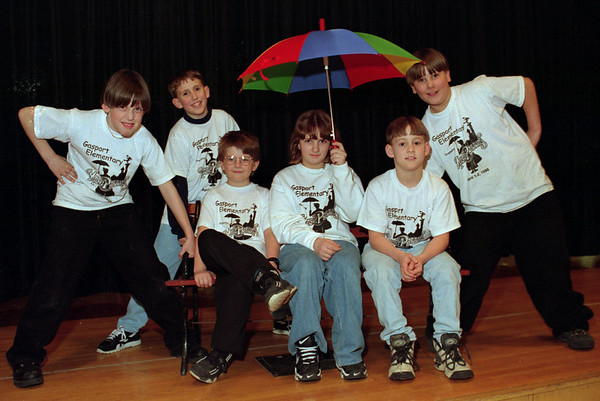 "98/03/19 Gasport Elementary *Dennis Stierer photo - The backstage crew for the upcoming production of ""Mary Poppins"" at Gasport Elementary by fourth graders rests for just a moment for a photo. From left they are Ryan Farrell;  Johnathan Rosenthal;  James Raduns;  Barbara Rivers;  Bret Tinder; and David Reed."