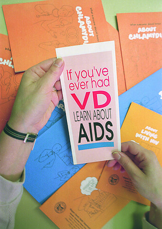 1/16/97--NC HEALTH/AIDS 2--CAPPY PHOTO--AN ASSORTMENT OF HEALTH PAMPHLETS.<br /> <br /> 1A TUESDAY