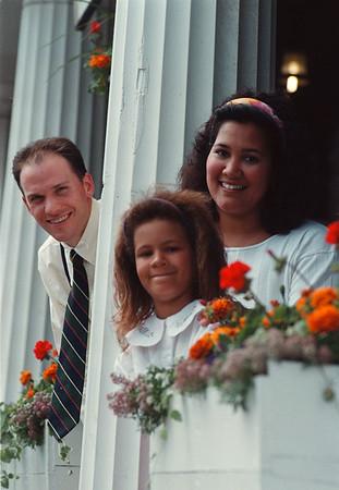 7/16/97-- big bro/sisters --Takaaki Iwabu photo-- A 9-year-old girl Jackie smiles with Joseph Fruscione, one of big brothers, and Carol Houwaart-Diez, recruitment chairman for Big Brothers Big Sisters. <br /> <br /> local, Thursday, bw