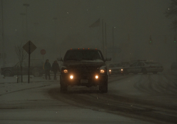 97/12/10  Weather  - James Neiss Photo - A winter storm hits the city. Pedestrians and motorists deal with the bad weather on Portage Ave. at Ceder.