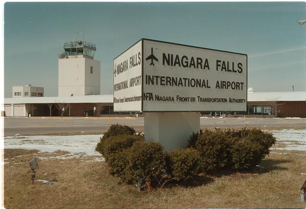 98/03/17 NF International  - James Neiss Photo - Niagara Falls International Airport. <br /> NFTA